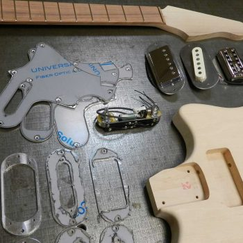 Roadrunner Guitars Contour