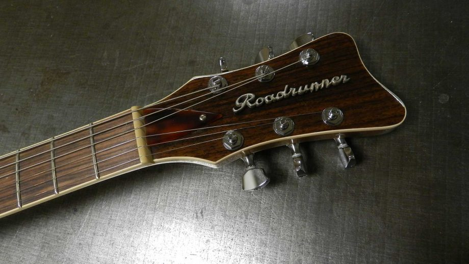 roadrunner-soledad-jet-ivory-copper-finish-no-vibrato-head-front-1